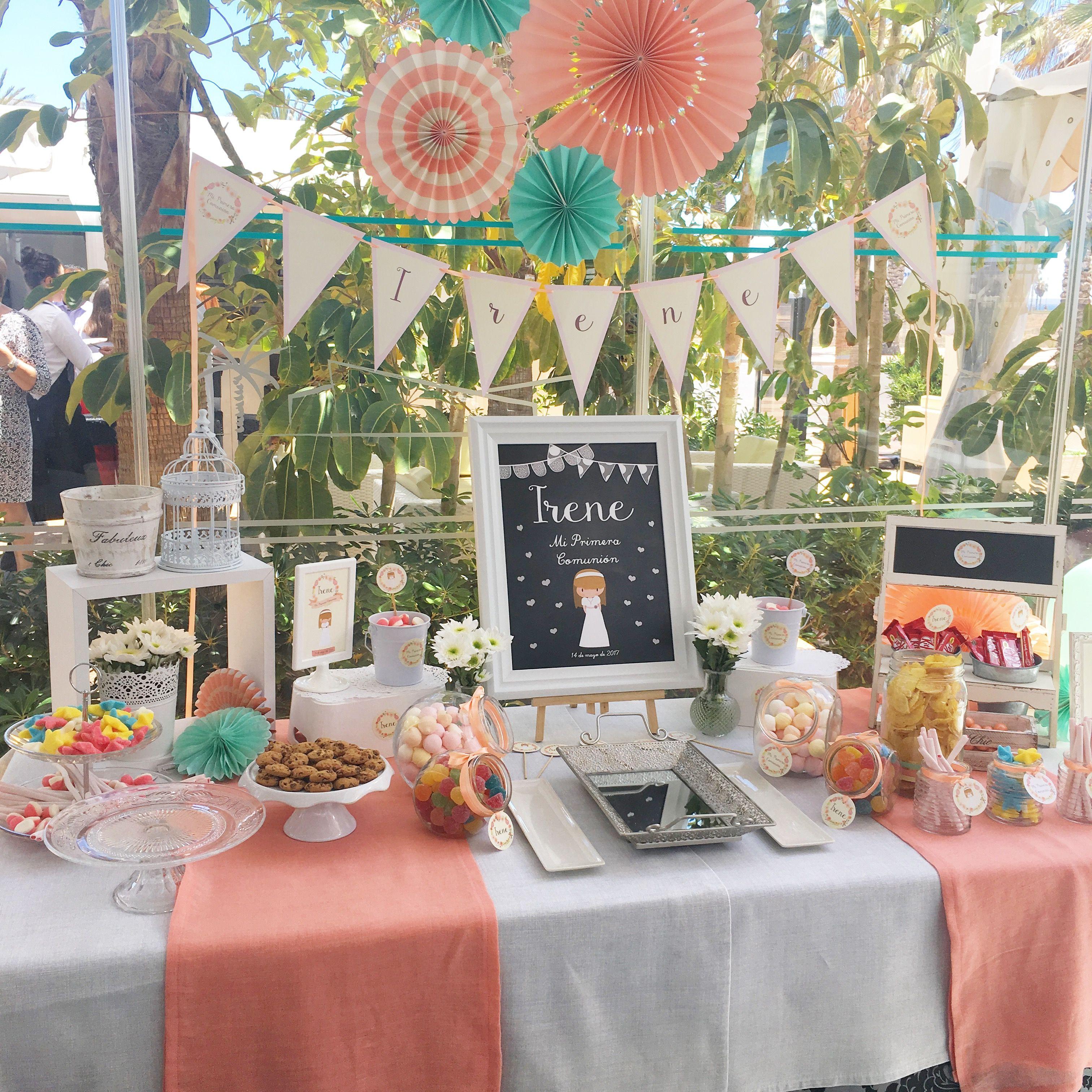 Mesa dulce para la comunión de Irene en tonos melocotón y verde agua!
