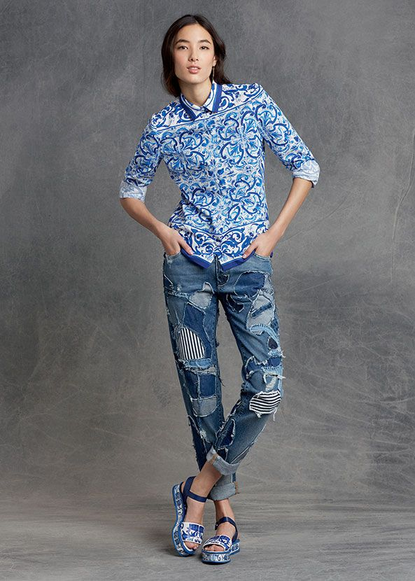 811dc6dc33 Dolce & Gabbana Women's Clothing Collection Winter 2016 - I would get  everything that this outfit is composed of sans the pants that are purely  tacky.