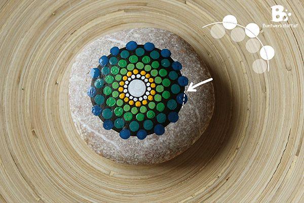 mandala stein malen anleitung malen mandala steine steine und steine bemalen. Black Bedroom Furniture Sets. Home Design Ideas