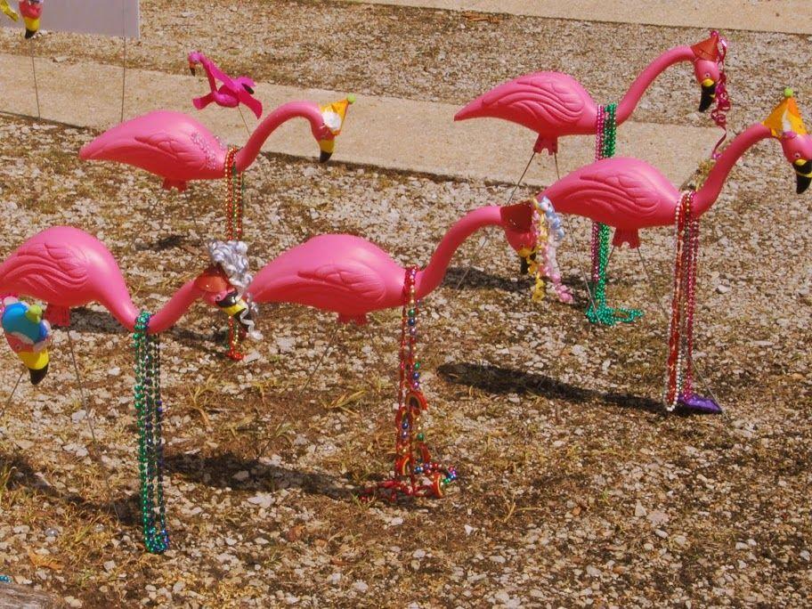 Flamingos in beads.