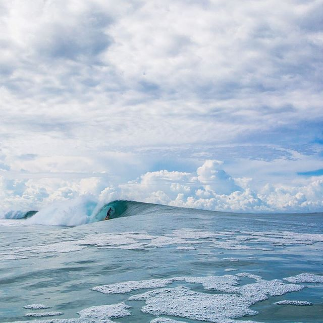 Is this what heaven looks like? @zombiesurfs. Photo: @lucano_hinkle_photo #Surfer #SurferPhotos