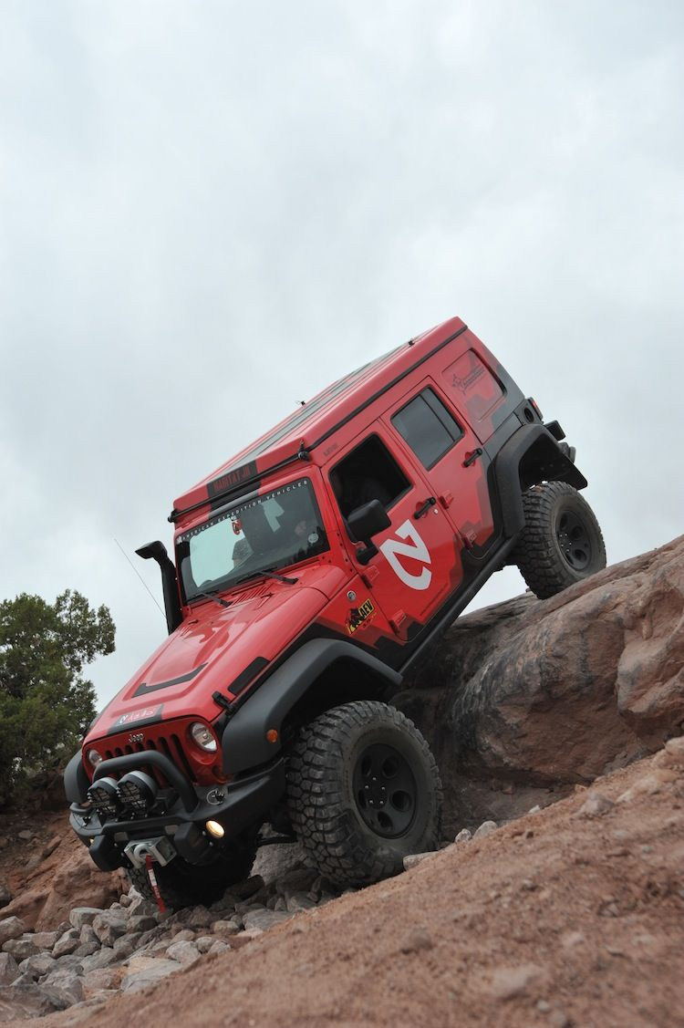 small resolution of 2011 5 7 hemi jk 4 5 suspension lift bfg 37x12 5r17 mud terrain km2 build by aev and at overland