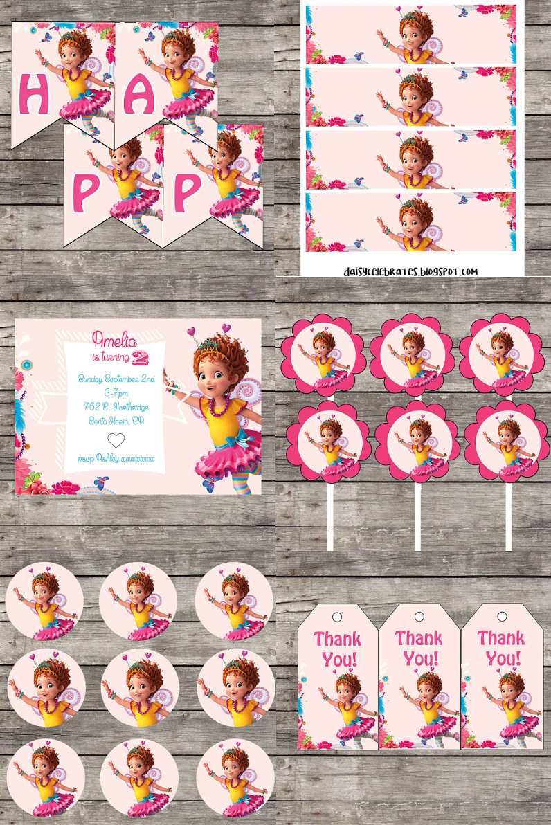 Fancy Nancy Book /& Show Birthday Party Supplies FAIRY WINGS LUNCH DINNER PLATES
