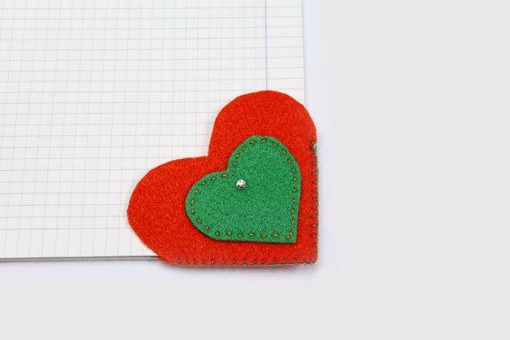 Segnalibro cuore ad angolo in feltro arancio e di SewbyMarissa, €6.00