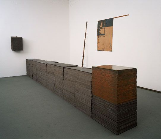 Joseph Beuys Vorne: Fond IV/4, 1970-74   JOSEPH BEUYS in