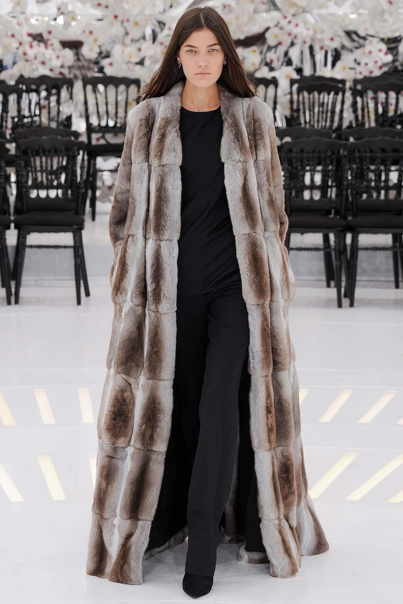Watch Fashionable fur coats Fall – Winter 2014 – 2015 video