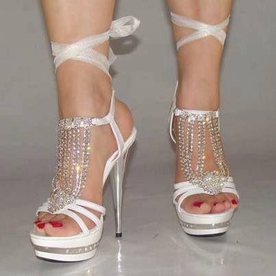 Another pair if white hotness that I would wear!!!