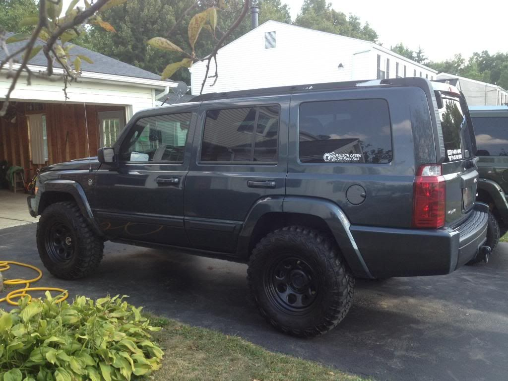 Lifted Jeep Commander 2006 Jeep Commander 4 7l 2 Lift 245 75 17 Bfg All Terrain Jeep Commander Jeep Commander Lifted Lifted Jeep
