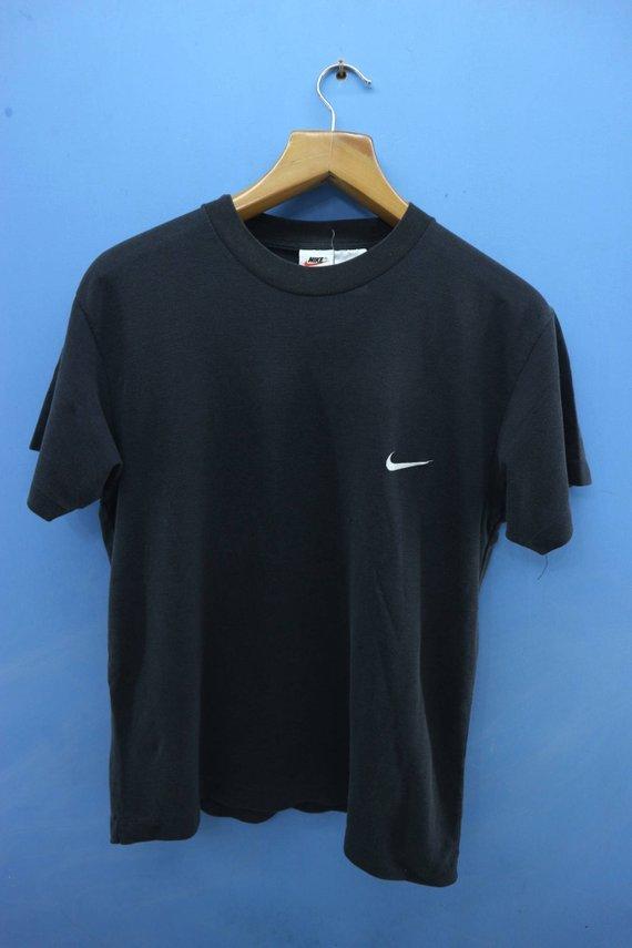 59c8e33e276d3 Vintage Nike Swoosh Minimalist Logo T Shirt Sport Wear Hip Hop Top ...