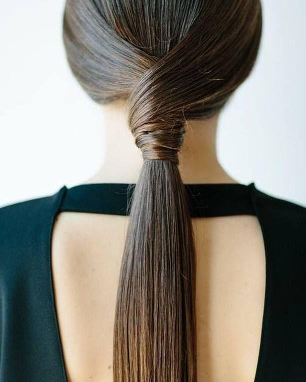 Simple Hairstyle For Wedding Dinner: Minimalist Wedding Hairstyles For Modern Brides