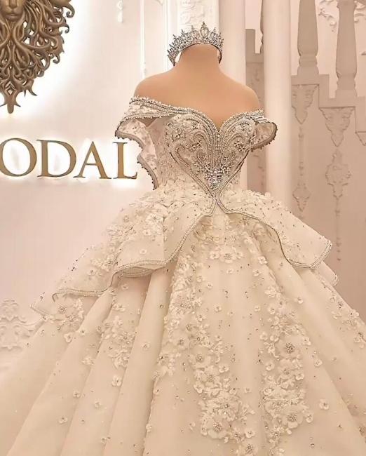 Extravagant wedding dresses | Princesses wedding d