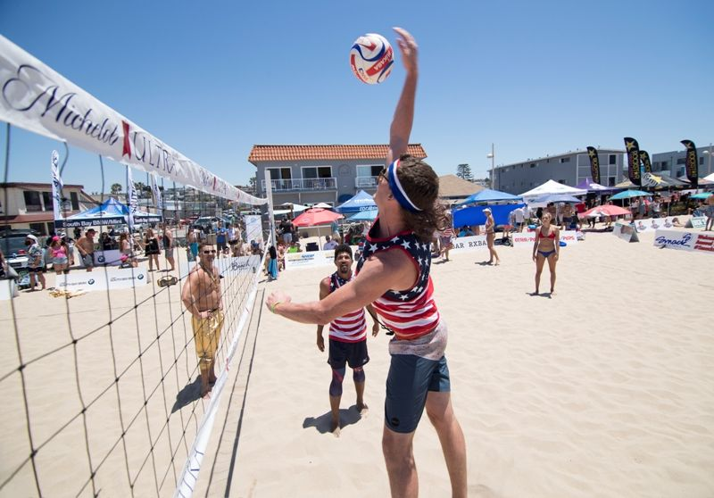 Beach Volleyball Newsletter By Randy Angel Approximately 1 000 Men And Women Formed More Than 30 Teams Beach Volleyball Volleyball Tournaments Volleyball