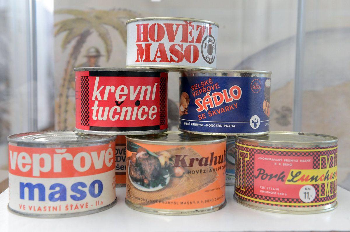 Sílu najdeš v sýru Vzpomínáte na tavené sýry, trojúhelníčky nebo balení krále sýrů Hermelínu? 70. až 80. léta 20. století.