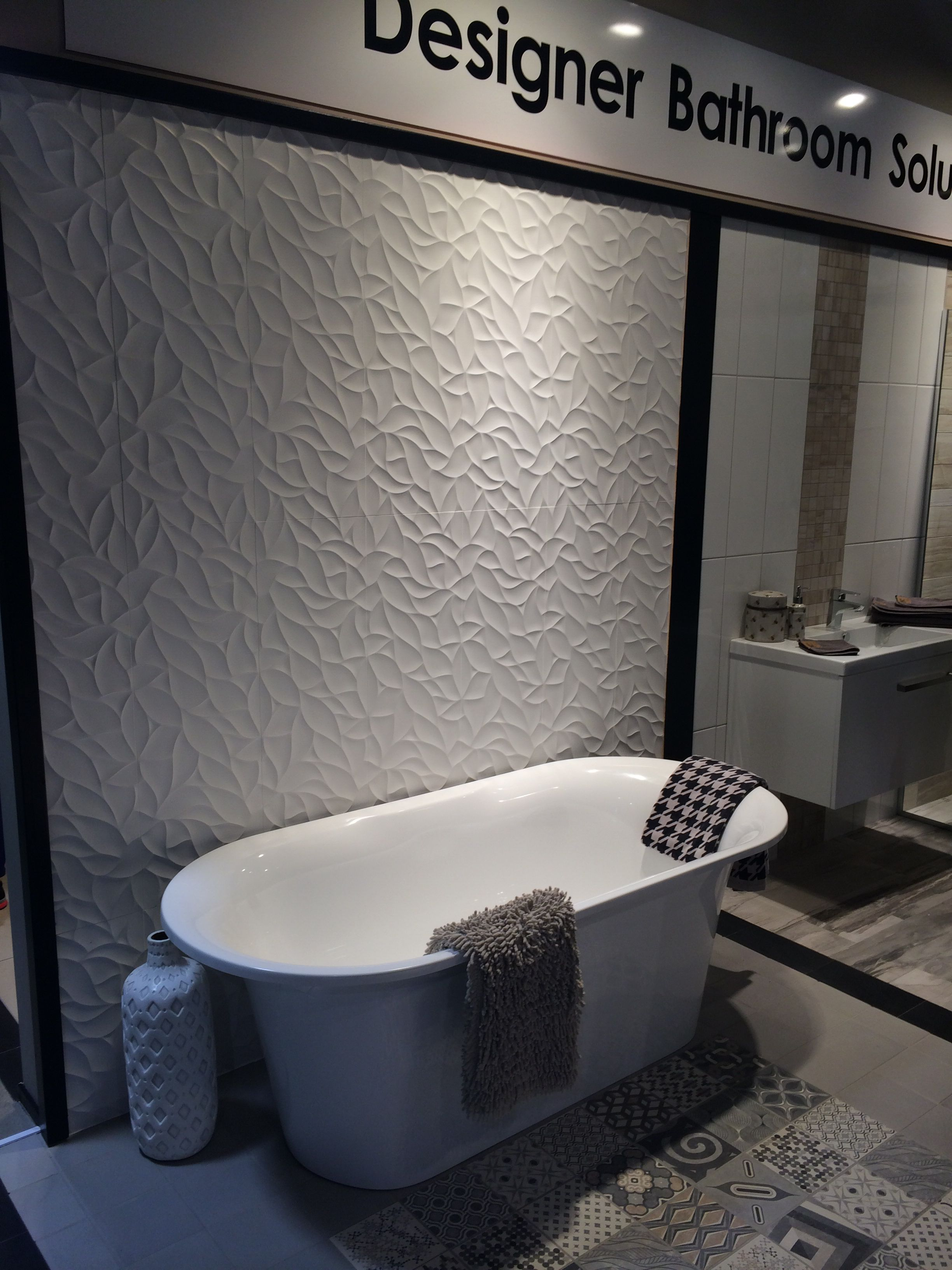 Monaco Bath By V A Robertson Wall Oxo Dec Blanco 316x900 By Porcelanosa Floor Europe Mix