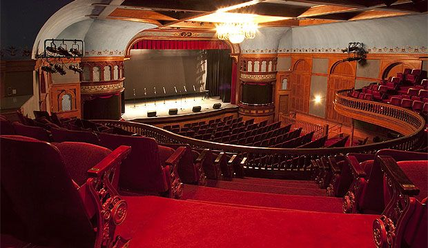 One Of The Most Beautiful Theaters In Which I Have Ever Set Foot A Great Venue For A Film Premiere Opera House Aspen Theater Architecture