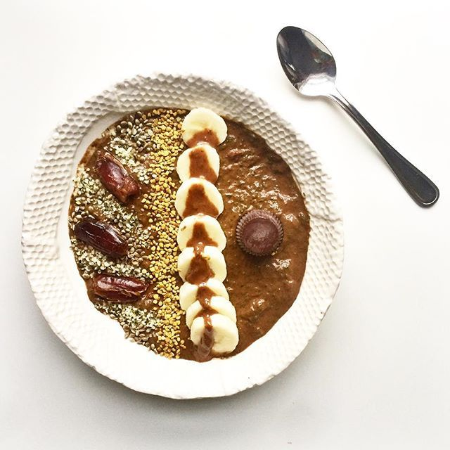 Healthy Chocolate Smoothie Bowl topped with Dates and Nut Butter