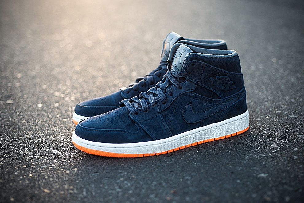 Air Jordan 1 Mid Nouveau Bobcats  Midnight Navy  0f18824d4