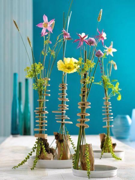 Sommerblumen-Deko: Holunderholz trifft Blüten - Holunderscheiben-Stockwerke