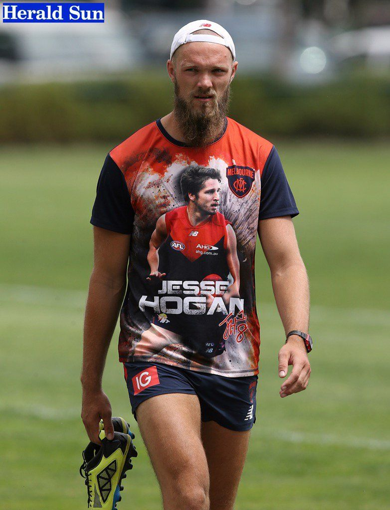 Big Max with his Jesse Hogan top. (With images