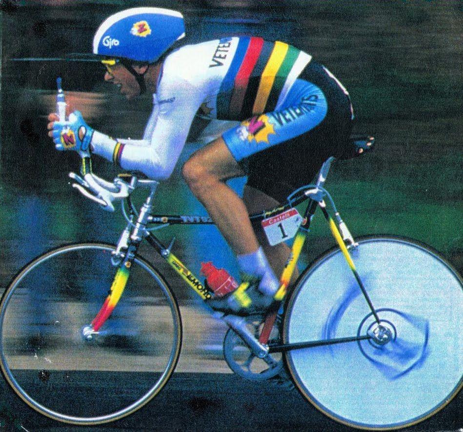7969e6f6c Greg LeMond riding the final time trial in the 1990 Tour de France Vintage  Bikes