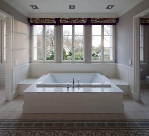 Bildergebnis für klassische badezimmer fensterfront | Bad ...