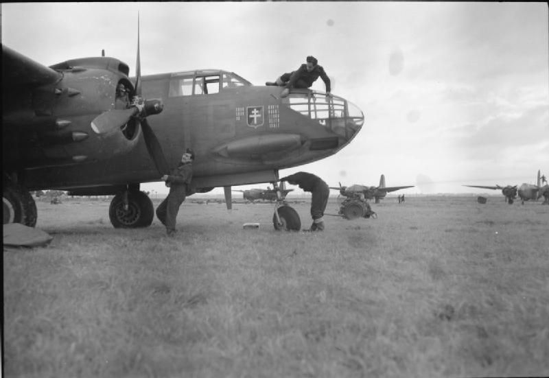 Royal Air Force- 2nd Tactical Air Force, 1943-1945. CL1456 - Category:B-50 Vitry-en-Artois - Wikimedia Commons