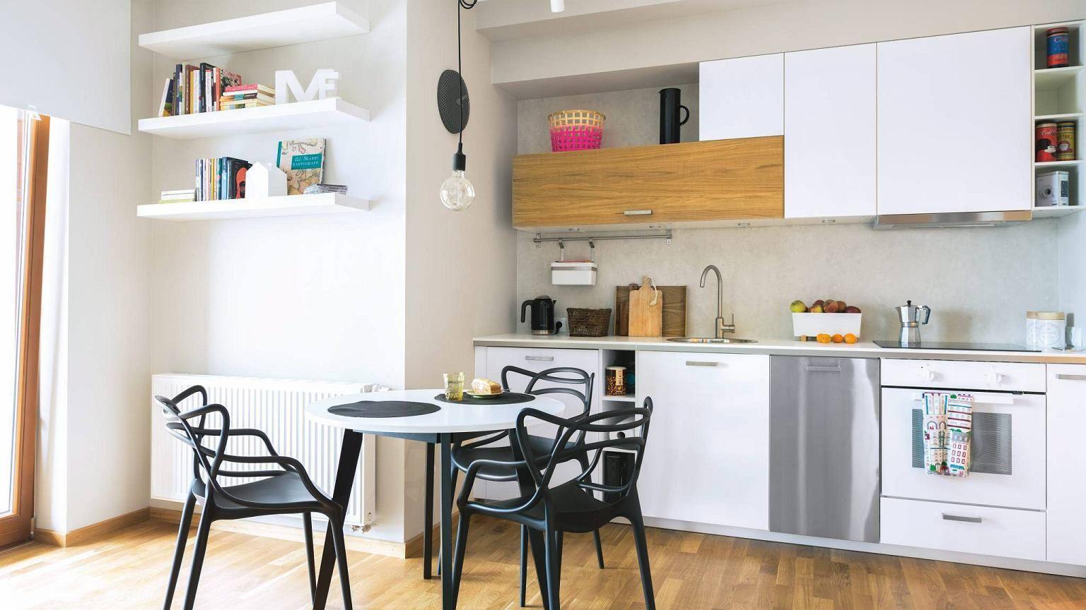 W Mieszkaniu W Bloku Czesto Brakuje Miejsca Na Pelnowymiarowa Kuchnie Aneks Kuchenny Zajmuje Mniej Miejsca A Moze Byc Rownie Funkcjo Home Decor Home Interior