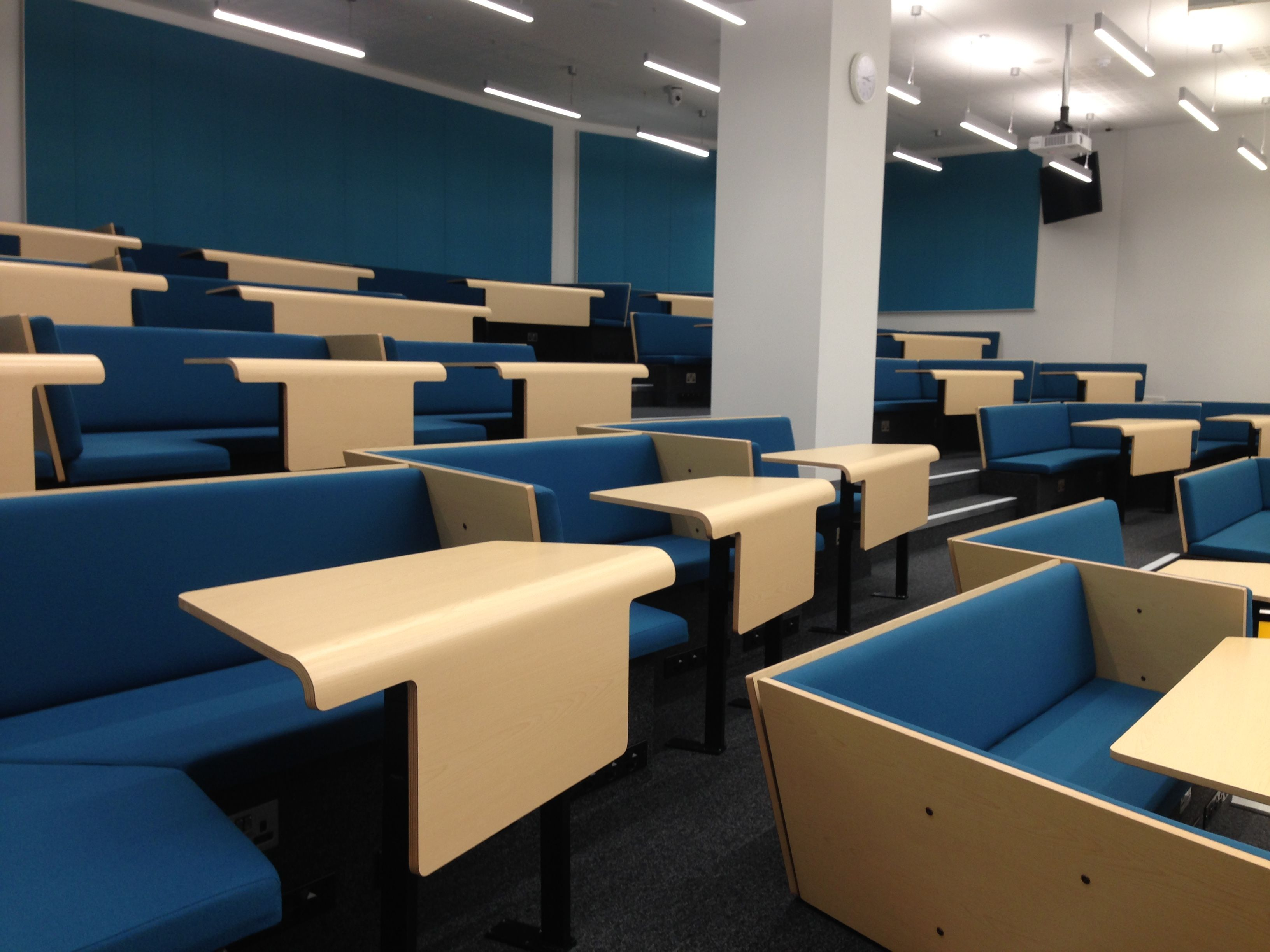 Collaborative Classroom Seating : The new cluster seating lecture theatre elg