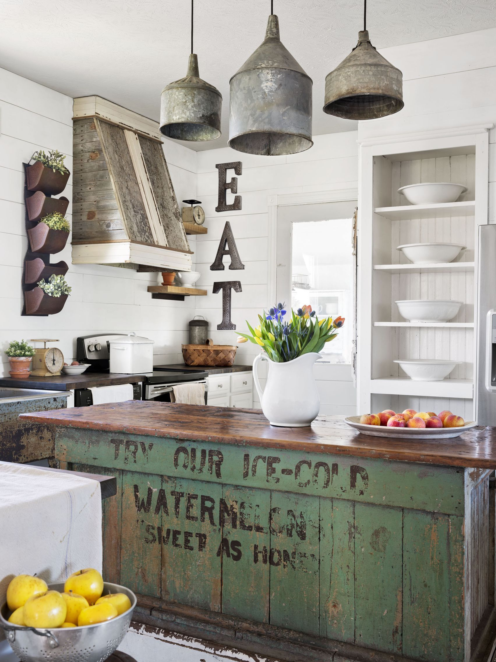 Rustic Farmhouse Style Kitchen Cabinets