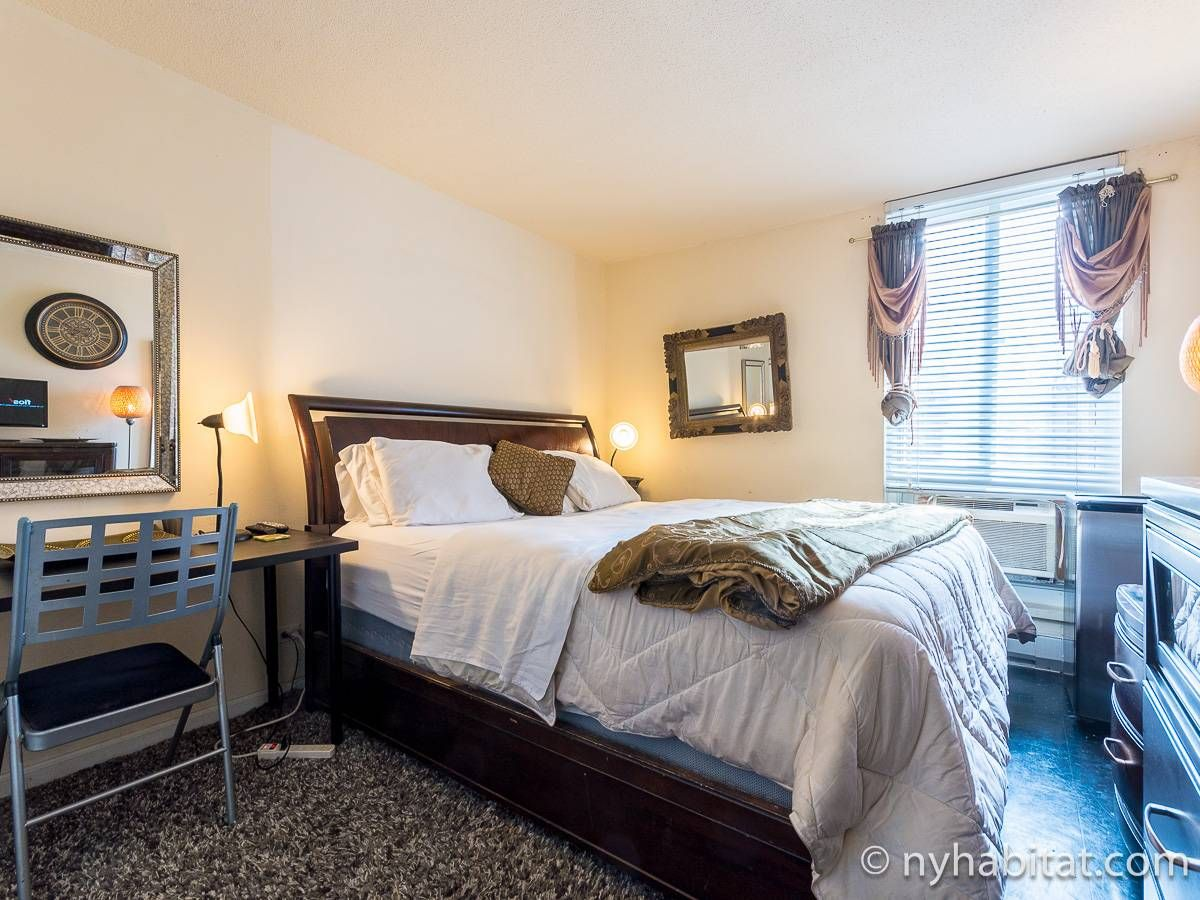 New York Bed And Breakfast: 3 Bedroom Apartment Rental in ...