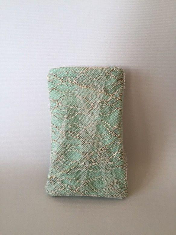 iPhone6ケース女性のbagの中に入れる携帯ケースとして使って頂くと、鍵やリップなどの固いものからiPhone画面に傷が付くのを保護します。また、フェルト...|ハンドメイド、手作り、手仕事品の通販・販売・購入ならCreema。