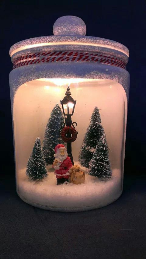 DIY glazen voorraadpot, kerst figuren, losse deco sneeuw,  lichtjes,  gesso en home deco verf van de Action