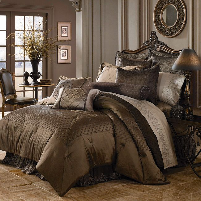 sink into the sumptuous splendor of iridescent silk bedding from luxe versailles the rivoli collection king size