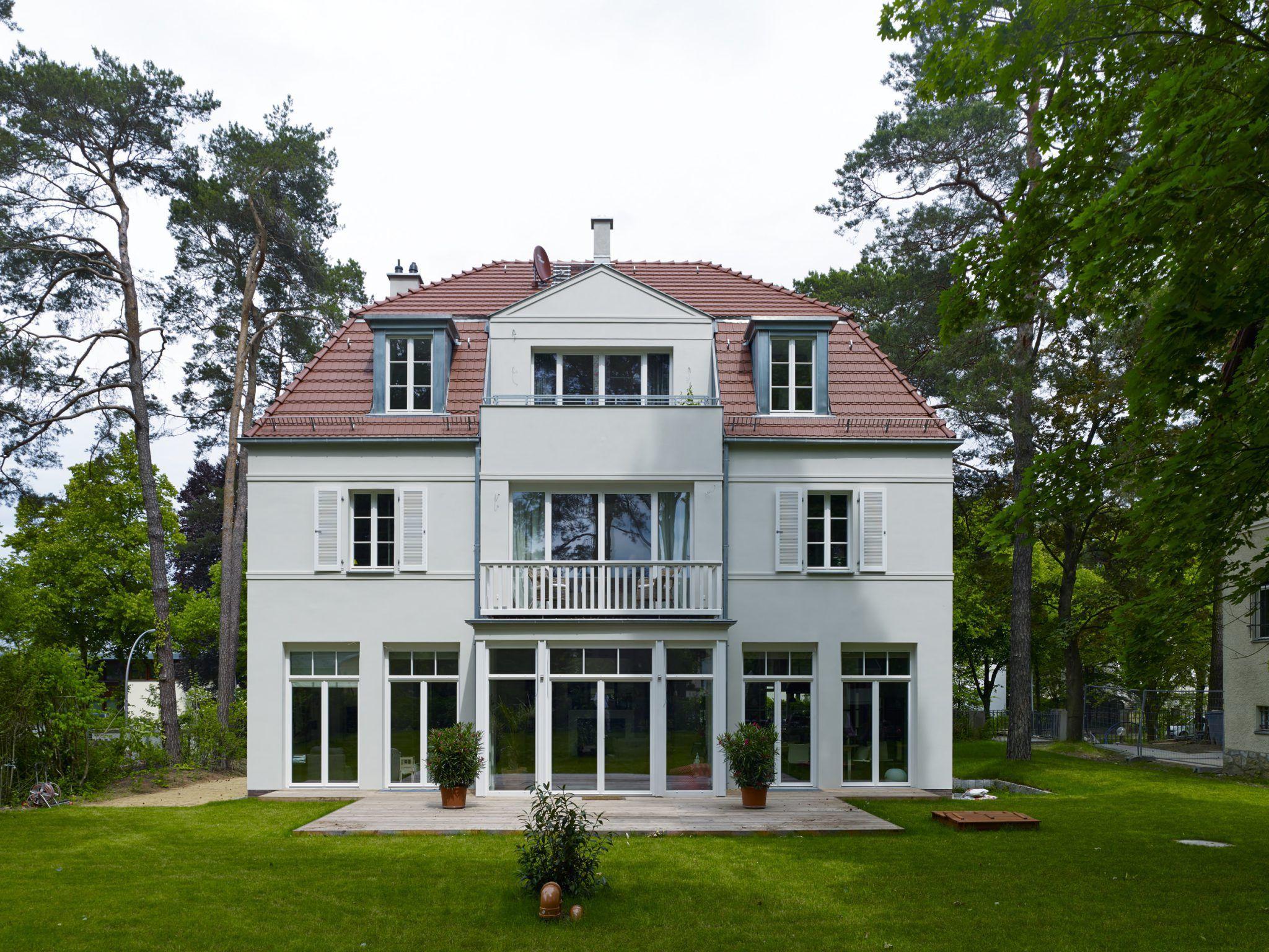 Kaffeemühlenhaus in begehrter Lage Quartier Acht Exklusive Immobilien München Grünwald Fassaden Pinterest