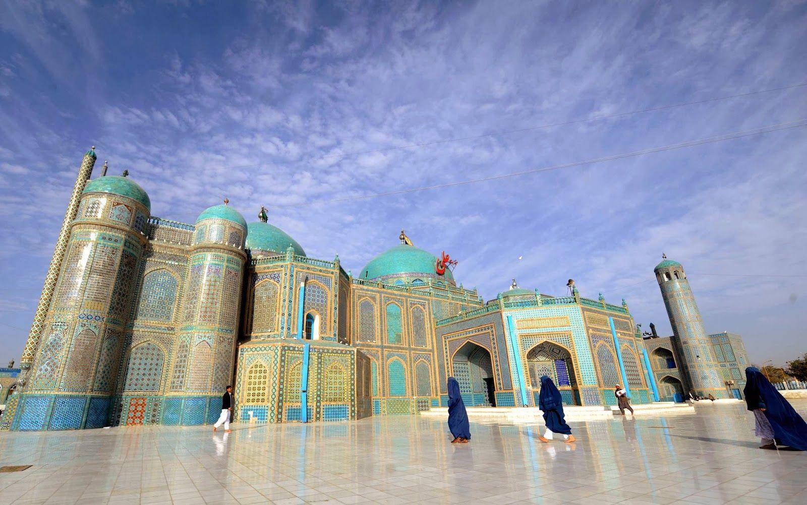Shrine To Hazrat Ali Aka The Blue Mosque Mazar I Sharif Afghanistan Blue Mosque Mosque Afghanistan