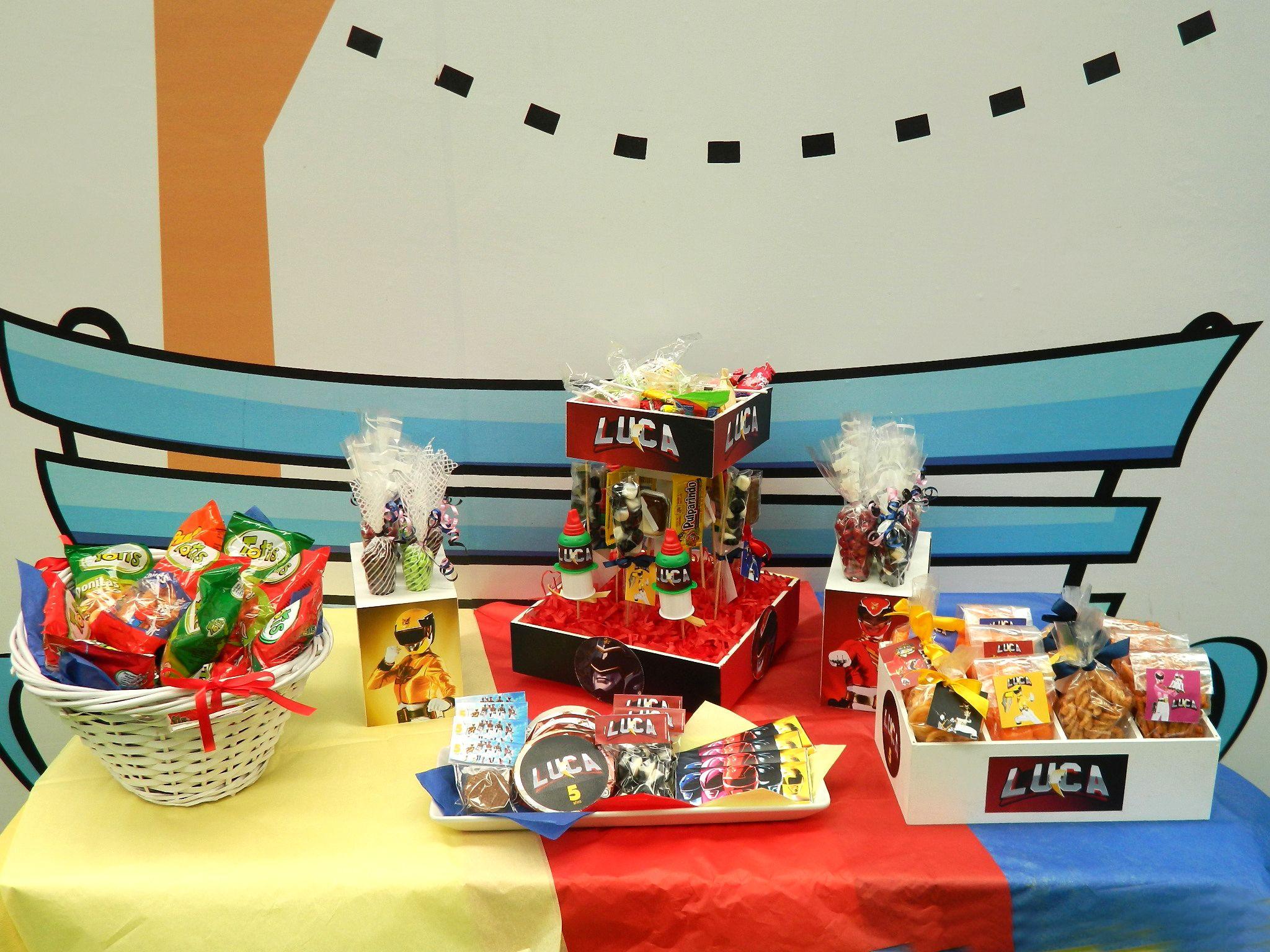 Mesa de dulces para fiesta infantil tema power rangers - Mesa dulce infantil ...