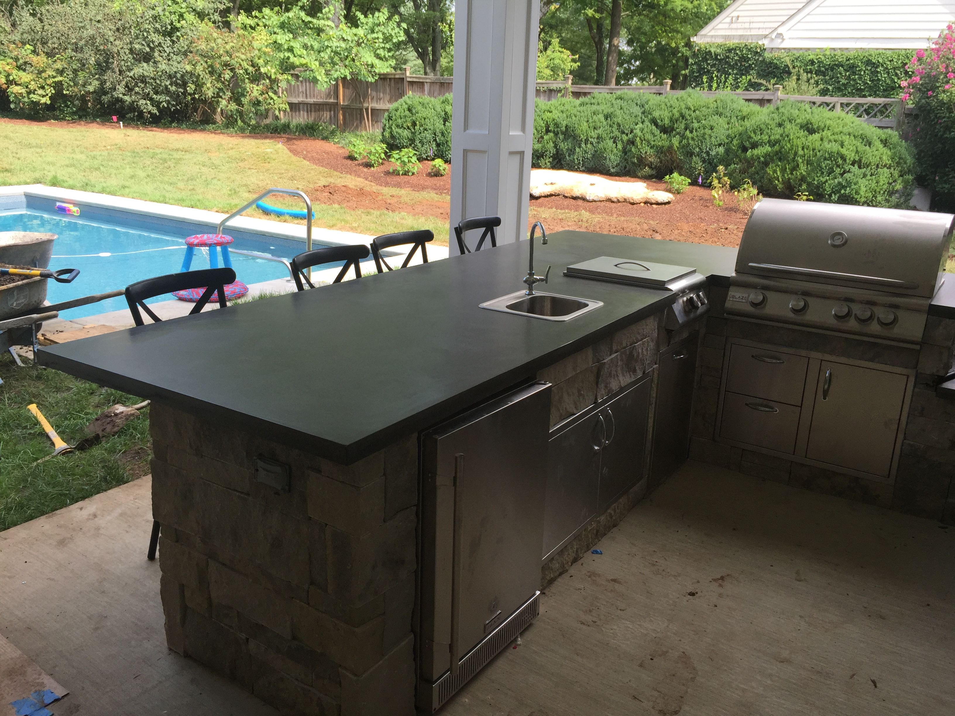 Outdoor Küche Beton Arbeitsplatte : Eine arbeitsplatte aus beton outdoor küche küchen granite
