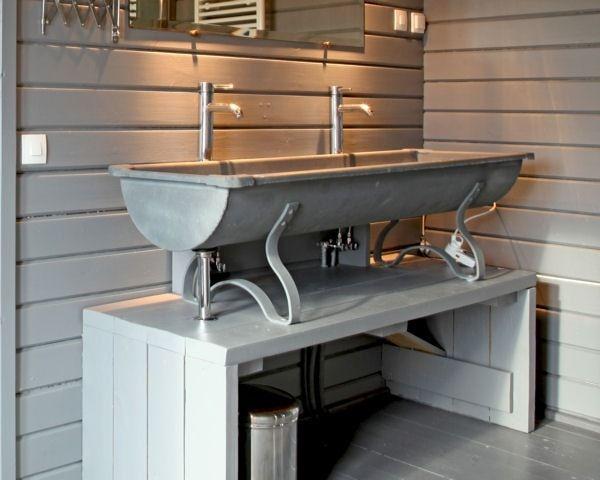 Un abreuvoir de ferme : 20 meubles sous vasque récup\' pour la ...