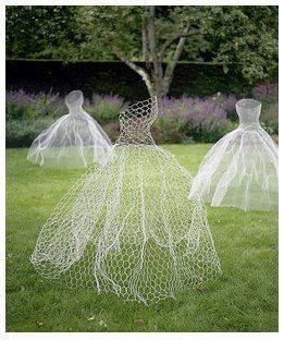 I want to make these for vining plants to grow up!  Think green bean dress with morning glories... Or cucumbers & moonflowers!!!