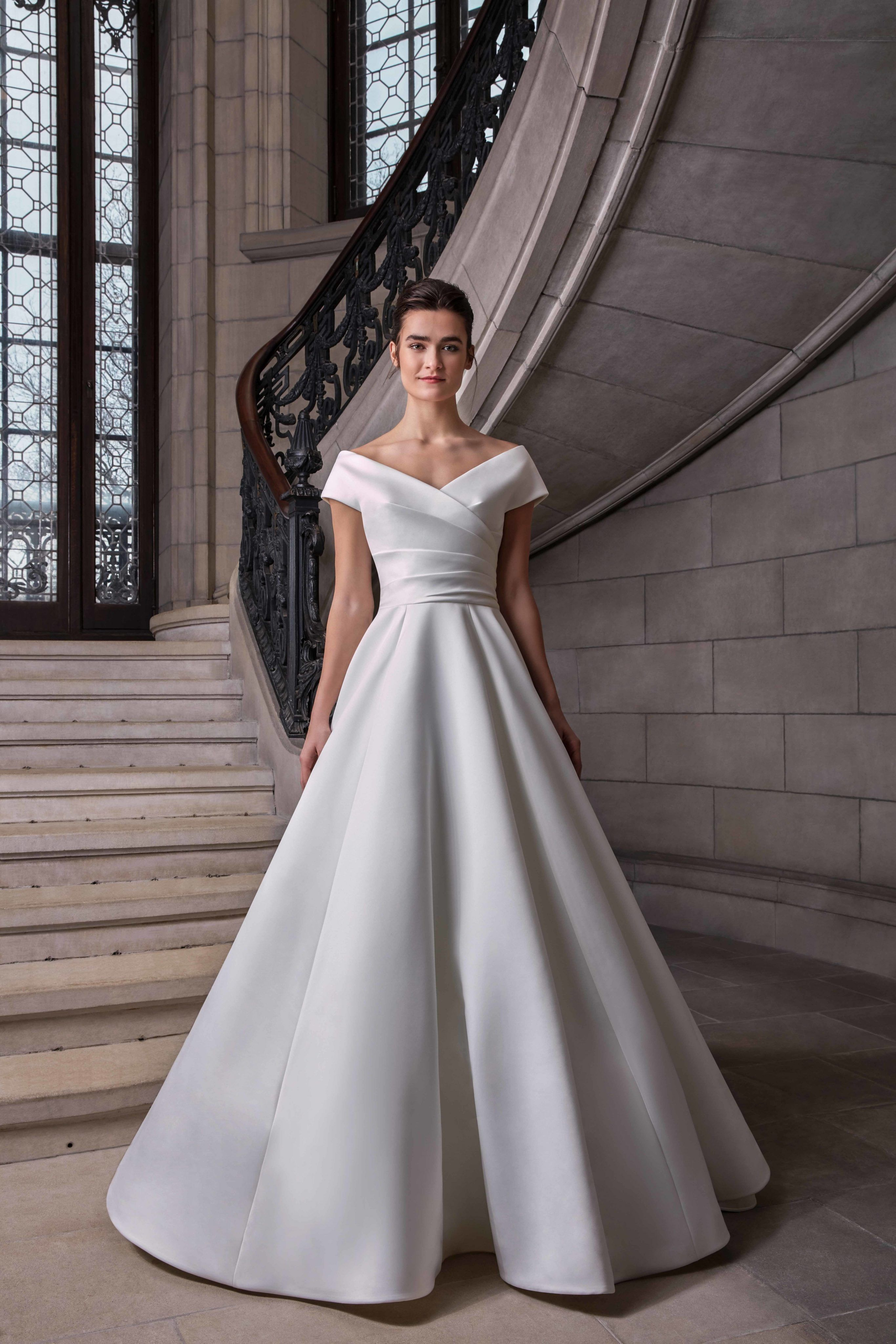 Simple Silk Ball Gown Wedding Dress In 2020 Wedding Dresses Gowns