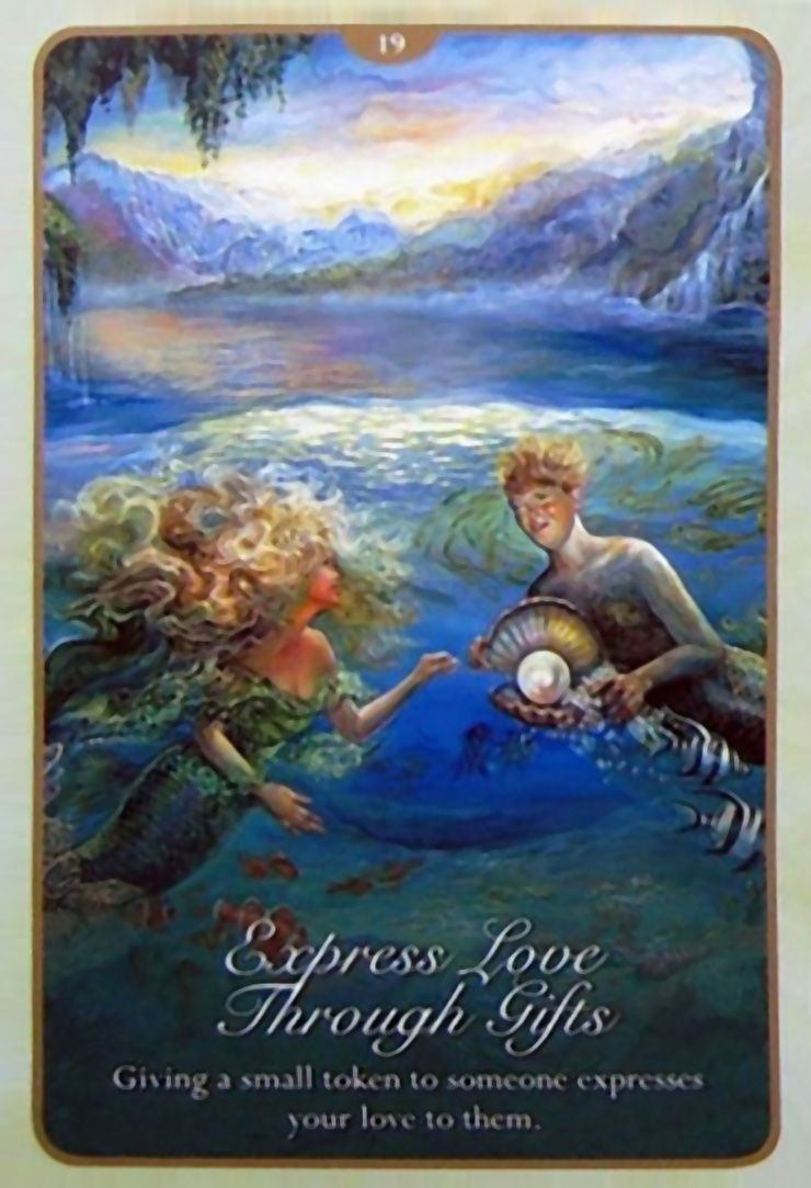 19 Express Love Through Gifts Oracle Cards Whispers Of Love Par Josephine Wall And Angela Hartfield Angel Tarot Cards Josephine Wall Angel Tarot