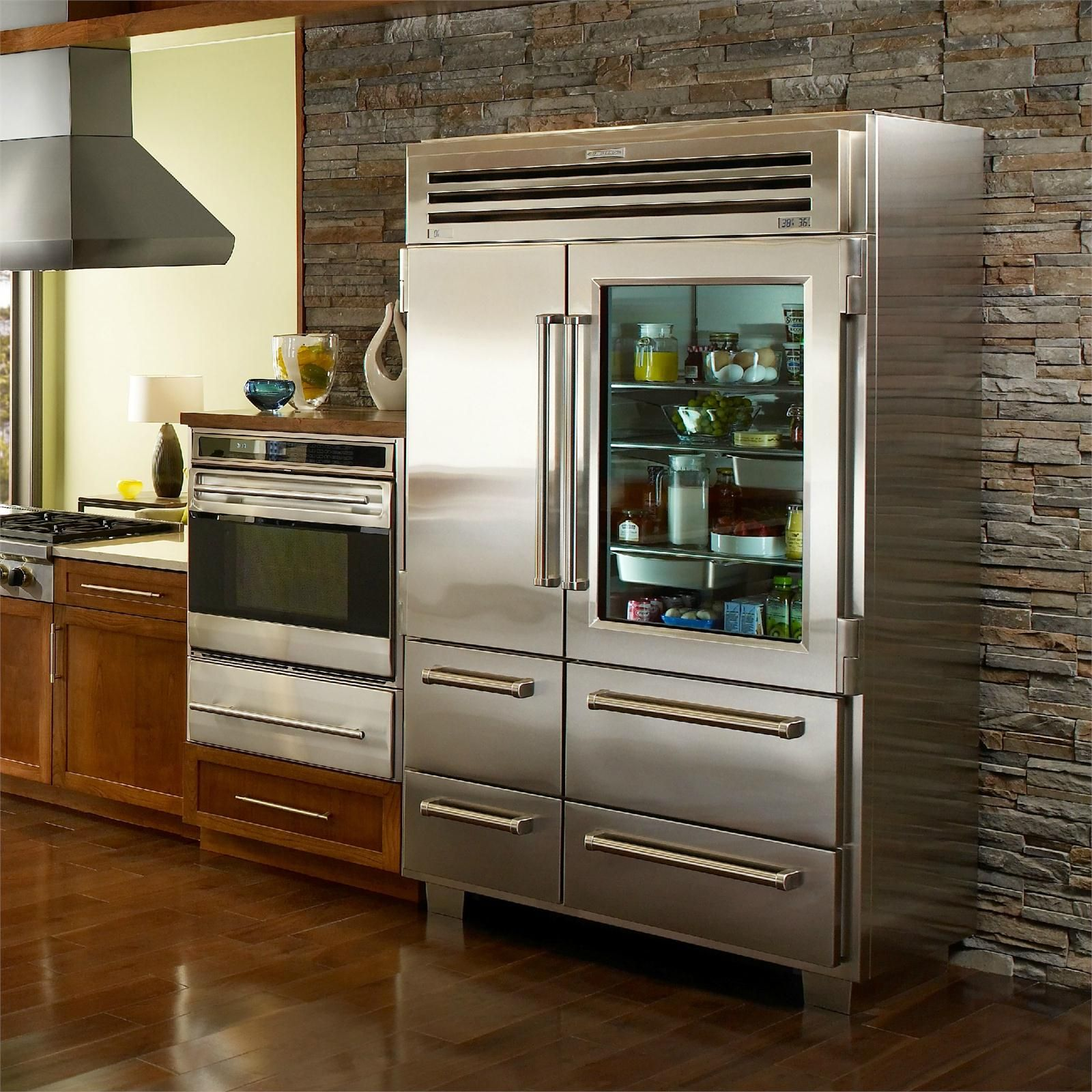 Exceptionnel Born Of 100% Steel (and A Good Bit Of Bravado), The Sub Zero PRO 48 With Glass  Door Refrigerator/Freezer Is A True Masterpiece Of Preservation.