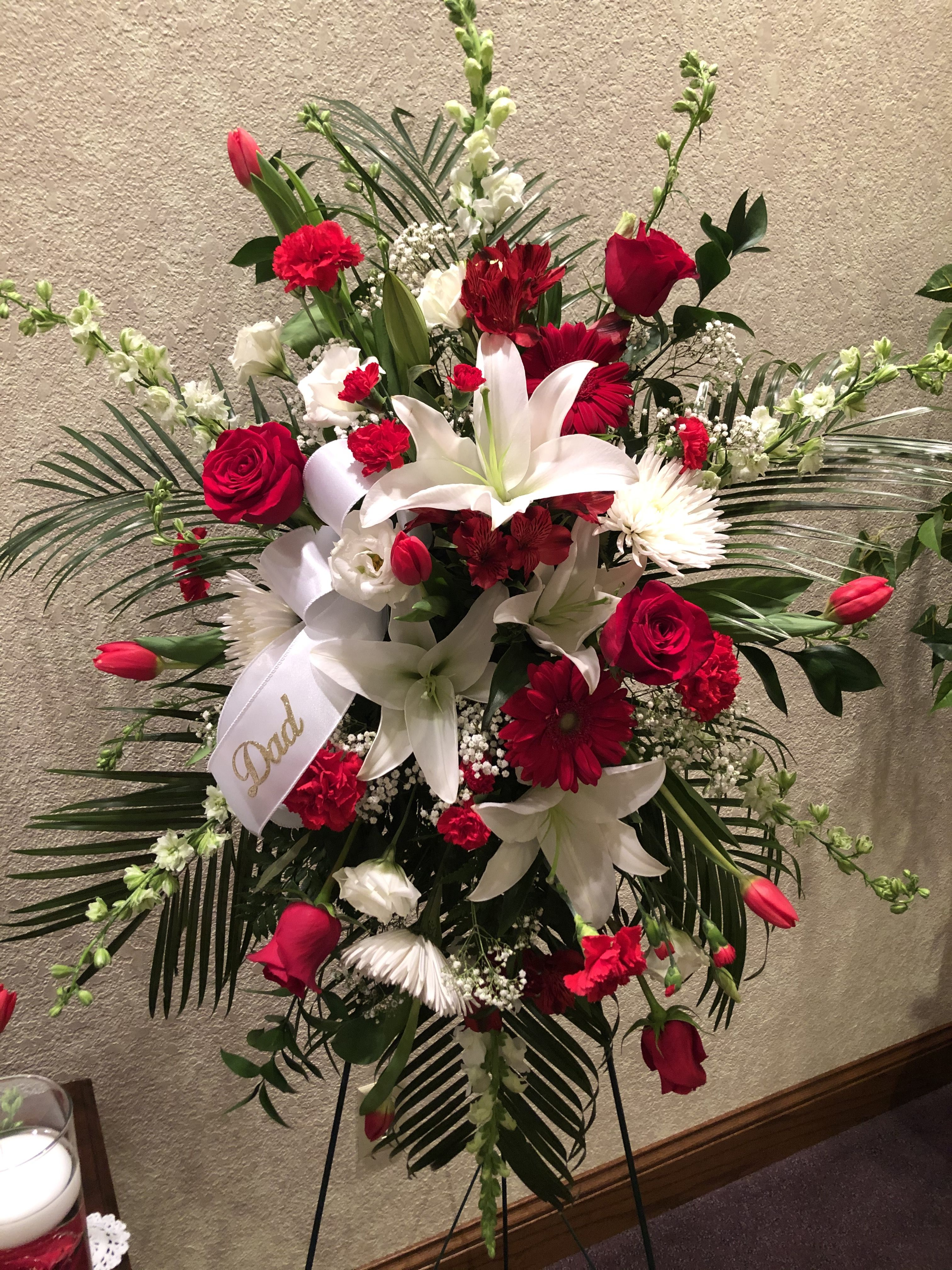 Pin By Twigs Vines Floral On Flower Arrangements In 2020 Christmas Wreaths Flower Arrangements Funeral Flower Arrangements