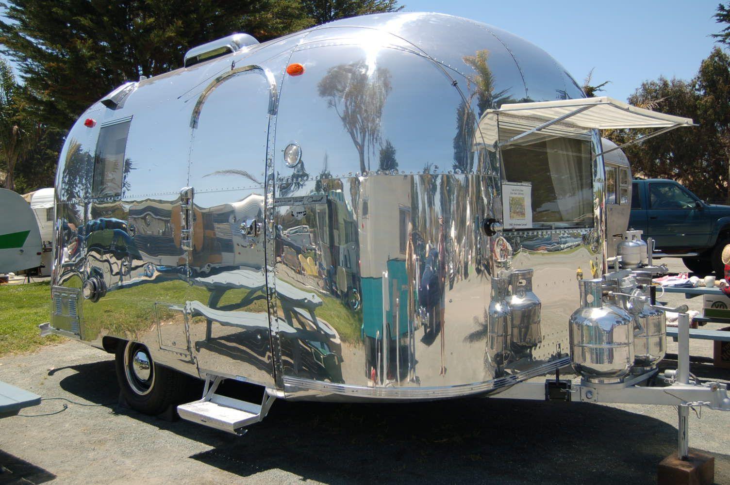 vintage trailers imagaes 1967 airstream caravel travel. Black Bedroom Furniture Sets. Home Design Ideas