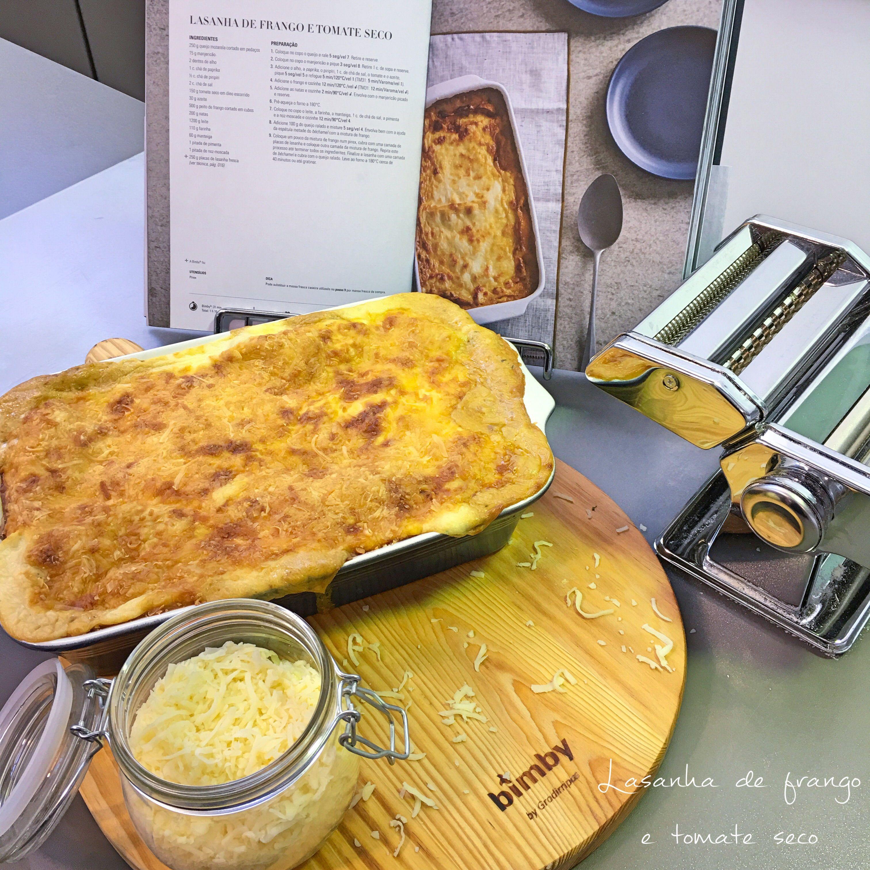 Há por aqui amantes de lasanha?!  Estão deixem que vos recomende esta... lasanha de frango e tomate seco 👌🏼com folhas de lasanha feitas na hora. Absolutamente divinal!!  #bimbymade #bimby #bimbyportugal #livrobimbypastaserisotos