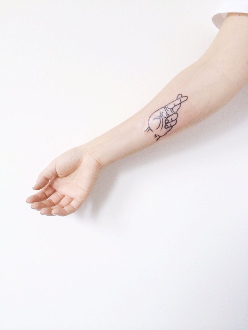 c666aa2e6 Sang Bleu tattoo studio in London - my new amazing outline hand tattoo.  Love how minimal and clean the design is!