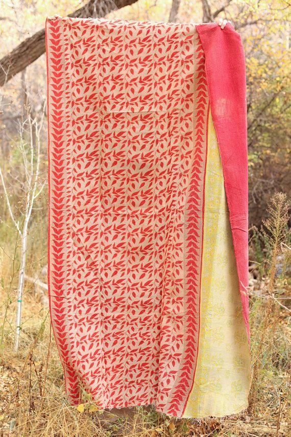 Beautiful Antique Quilt  Beautiful on Both Sides 130 di gypsya, $89,00