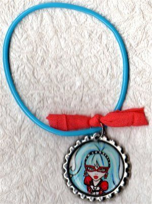 Ghoulia Yelps  - Monster High - Bracelet Ohmigod, I want it, she looks like Garcia!!!
