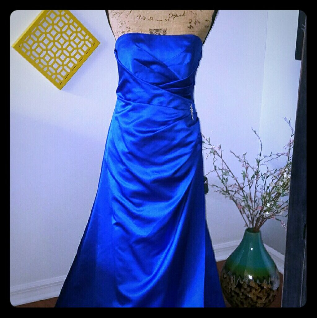 Gorgeous royal blue evening gown royal blue evening gown and products