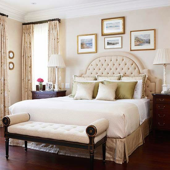Above bed decor eight ideas for decorating that awkward - Bed without headboard ideas ...